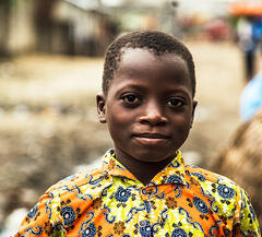 africa_young_boy_looking_at_camera