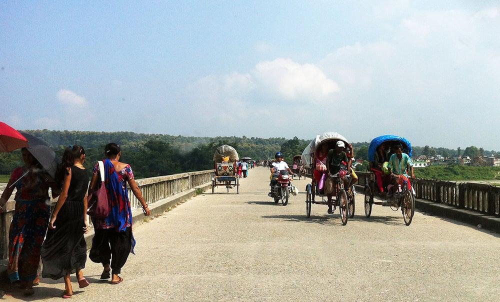 border_india_rickshaws_taxis