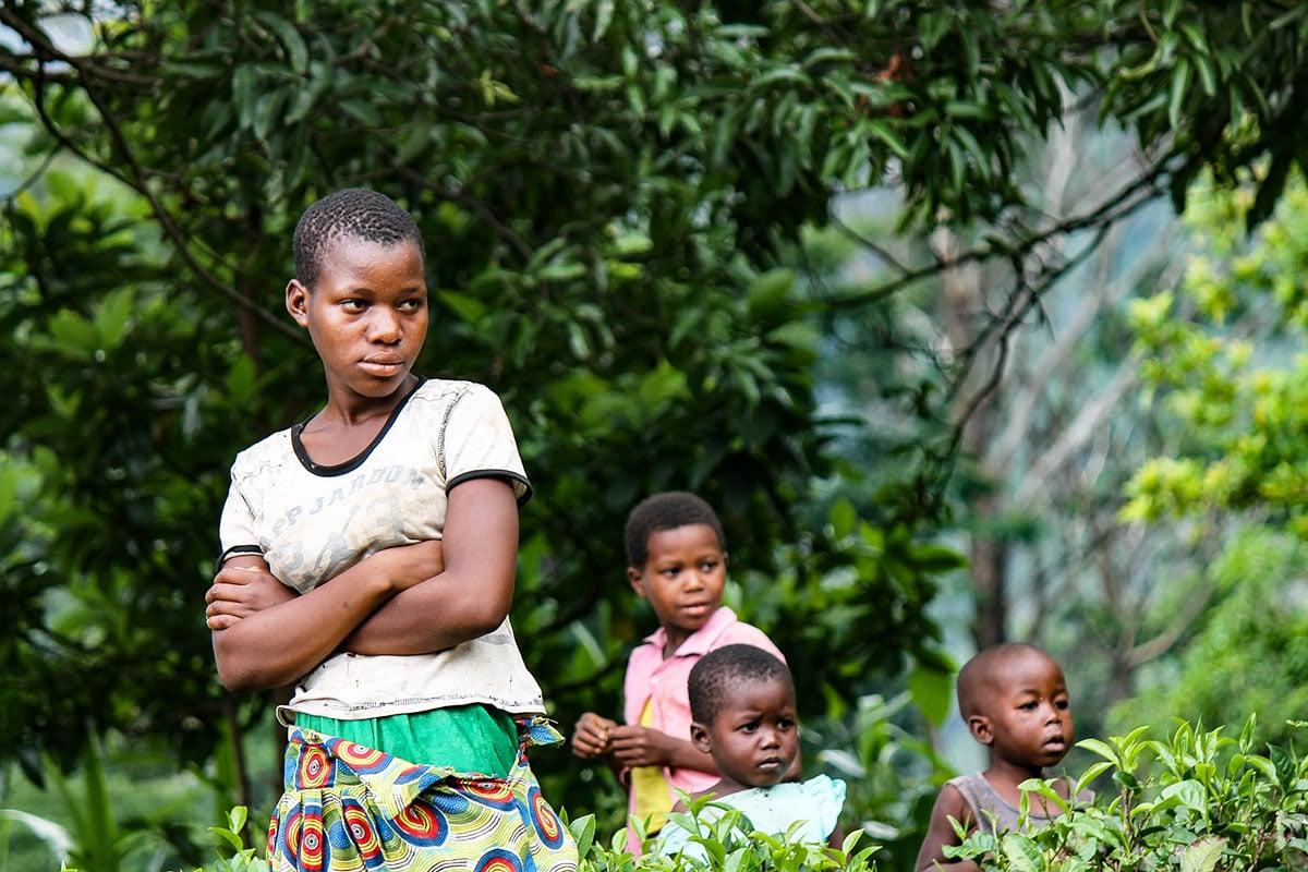 malawi_children_rural_village