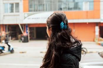 nepal_girl_streets