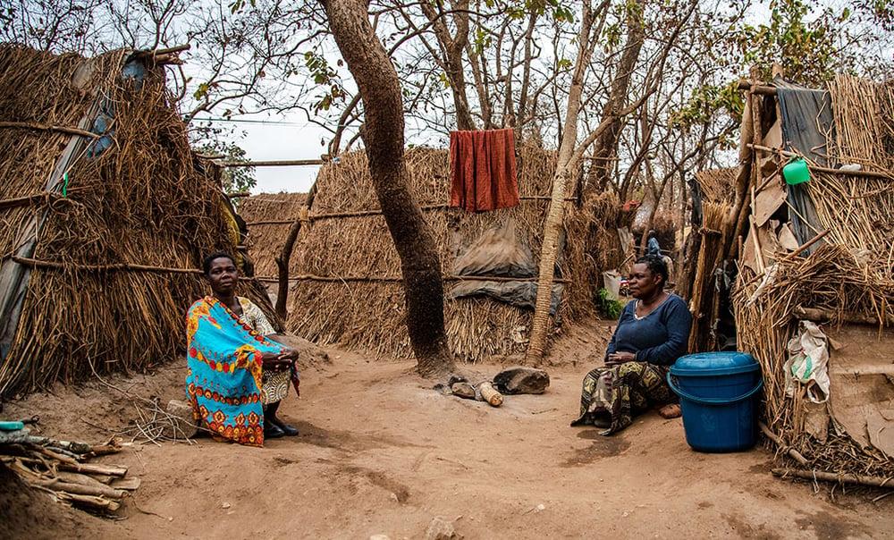 village_africa_women